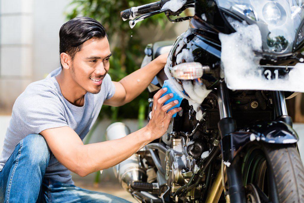 Mencuci Motor, sumber Astra Motor